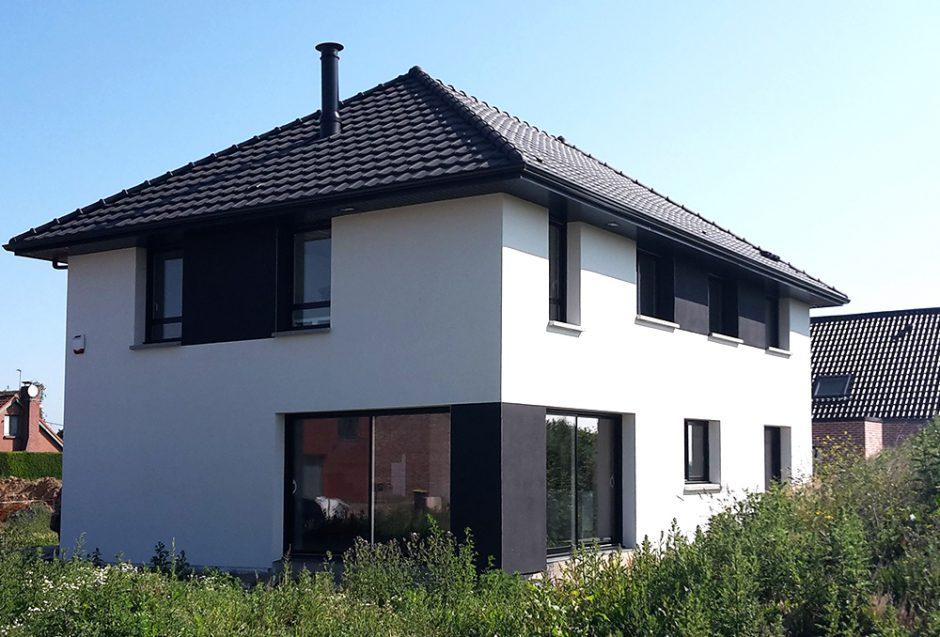 Black white maisons d 39 en france nord for Porche de maison en bois