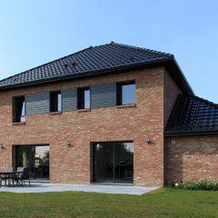 Du style maisons d 39 en france nord for Maison cubique toit 4 pans