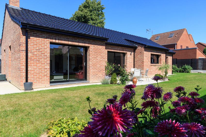 Plain pied contemporain maisons d 39 en france nord for Maison plain pied architecte contemporain